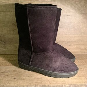 Chatz Womens Black Boots